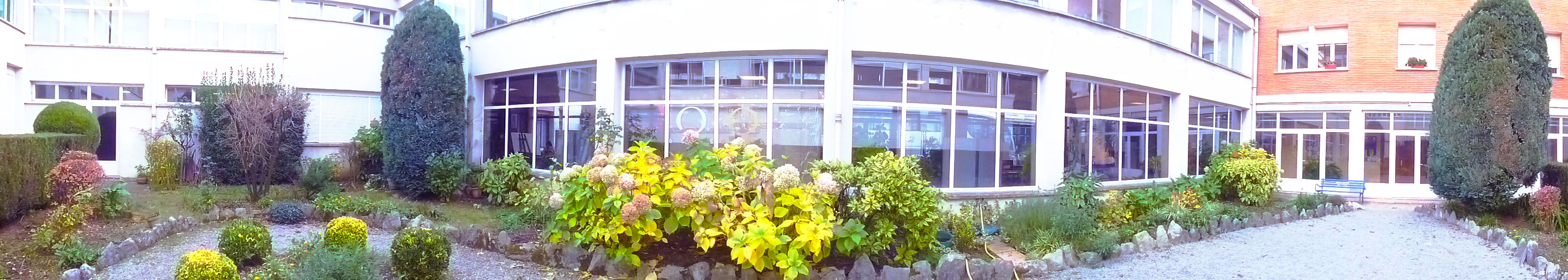 colegio-nino-jesus-ikastetxea-vitoria-gasteiz-jardin