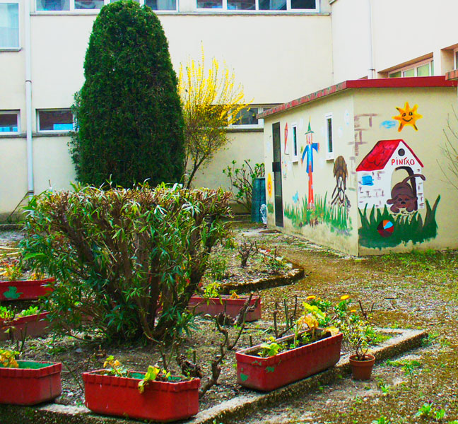 nino-jesus-patio-verde-2-detalle